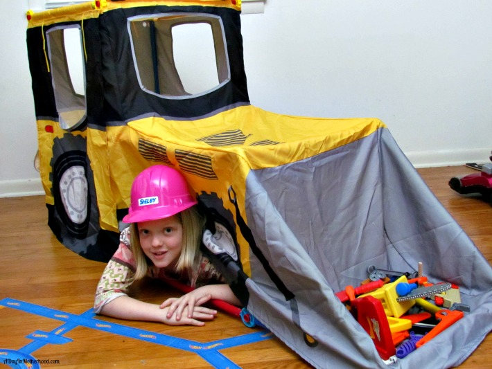 Build and Play kits from Antsy Pants help build sibling relationship. ad