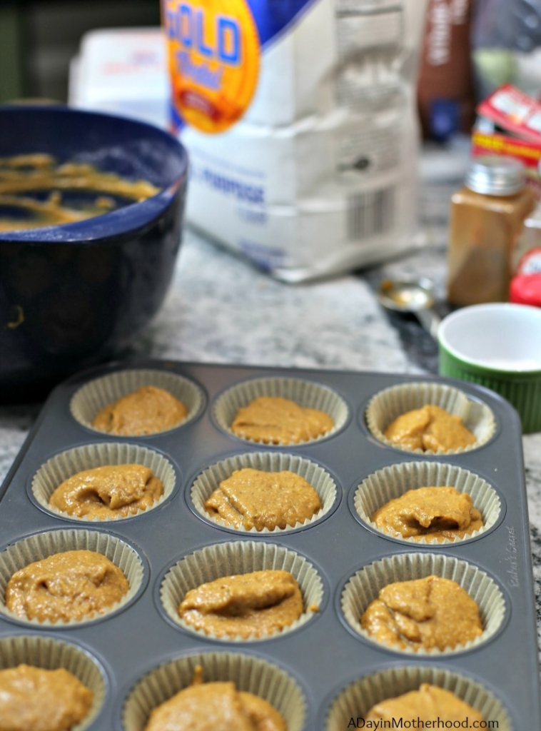 Easy Pumpkin Muffins Recipe for baking