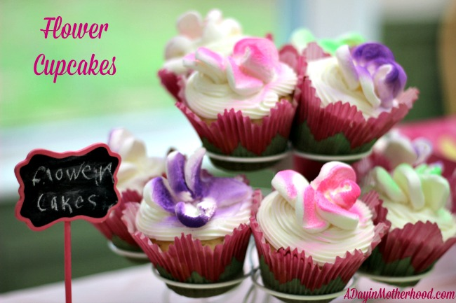 How to make flower cupcakes and magical fairy wands for a for How to make fairy cupcakes