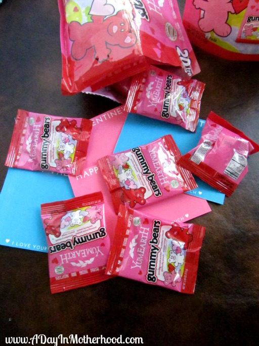 valentines day with yumearth gummy bears win a package of yumearth gummy bears or 25 gift card