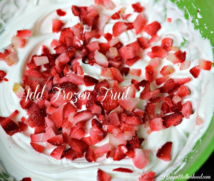 Strawberry Meringue Cookies