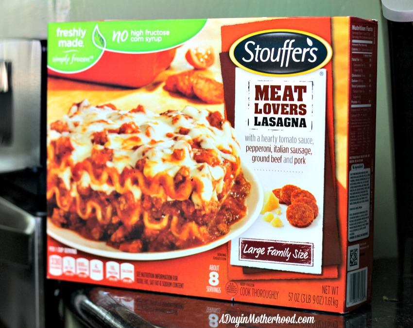 Cheesy Garlic Knots Pair with Lasagna for a Fun Family Dinner #STOUFFERSGOODNESS #ad
