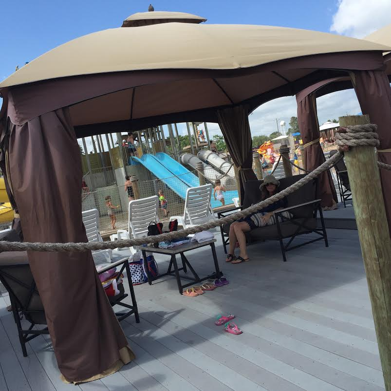 Rent a private cabana at Splashway for relaxing fun! #swaywithray #ad