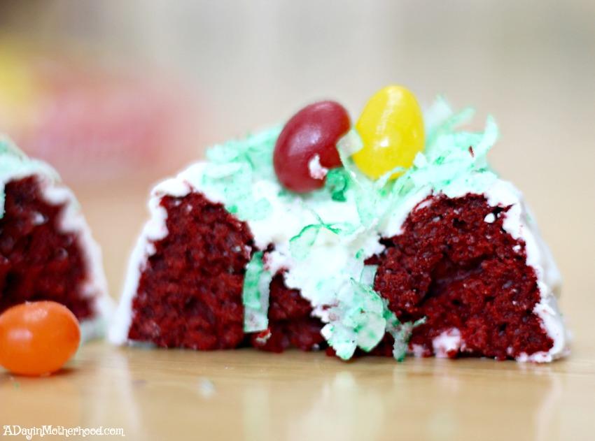 Taste the delicious of these Red Velvet Easter Cakes Recipe