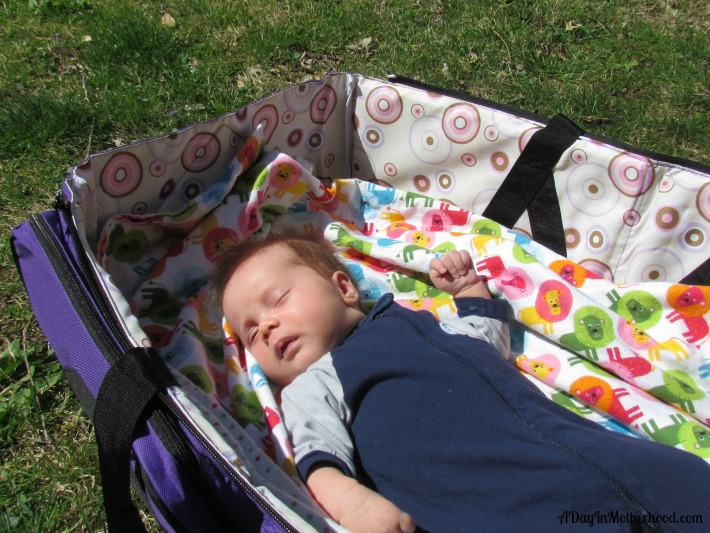 travel with baby in style and comfort with the Bassibag. ad