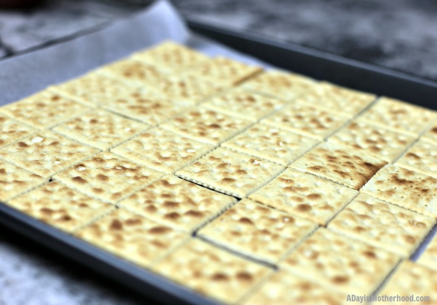 Easy Saltine Cracker Toffee Recipe start with crackers