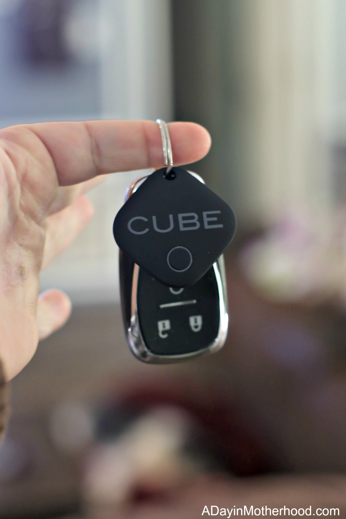 Find those Important Things in a Jiffy with Cube Tracker for your keys