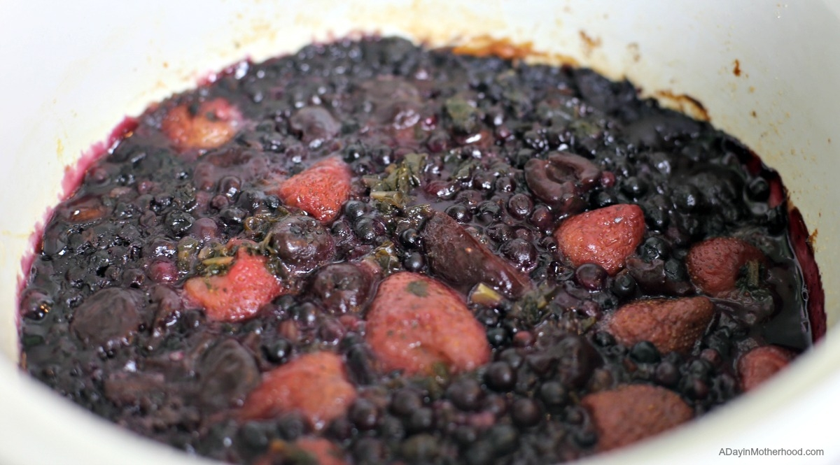 Slow Cooker Berry Cobbler Recipe and enjoy