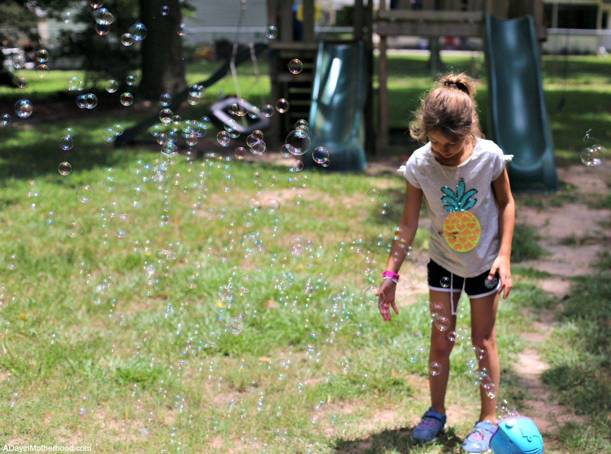 4 Activities to Charge Up Summer Play with bubble play