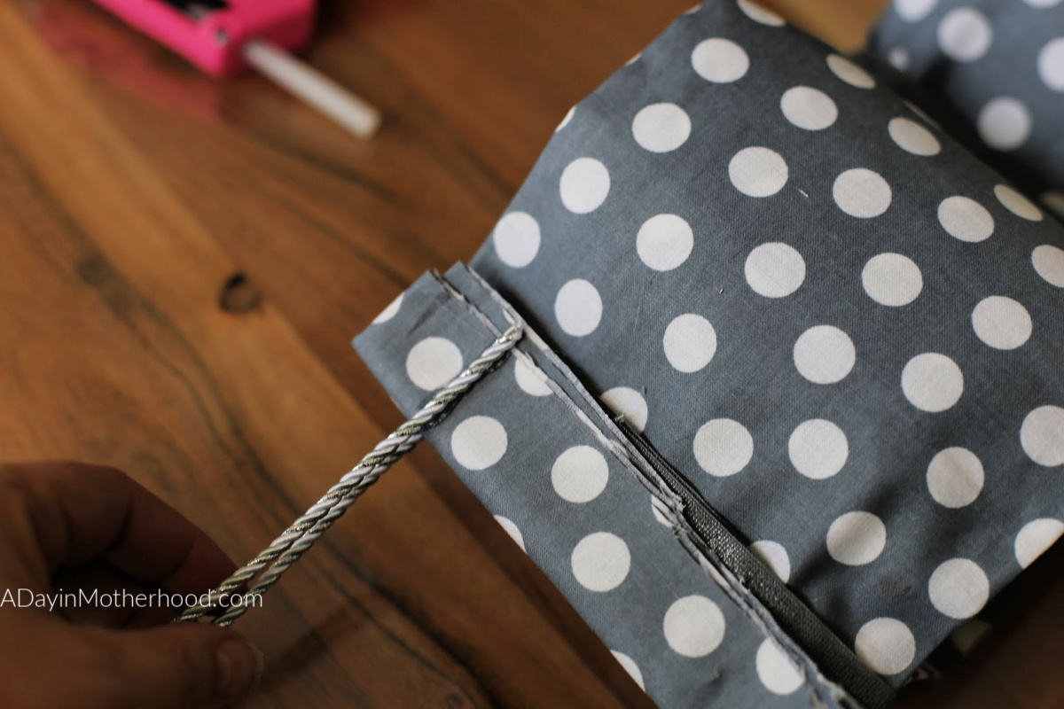 DIY No Sew Toilet Paper Holder and add the tie