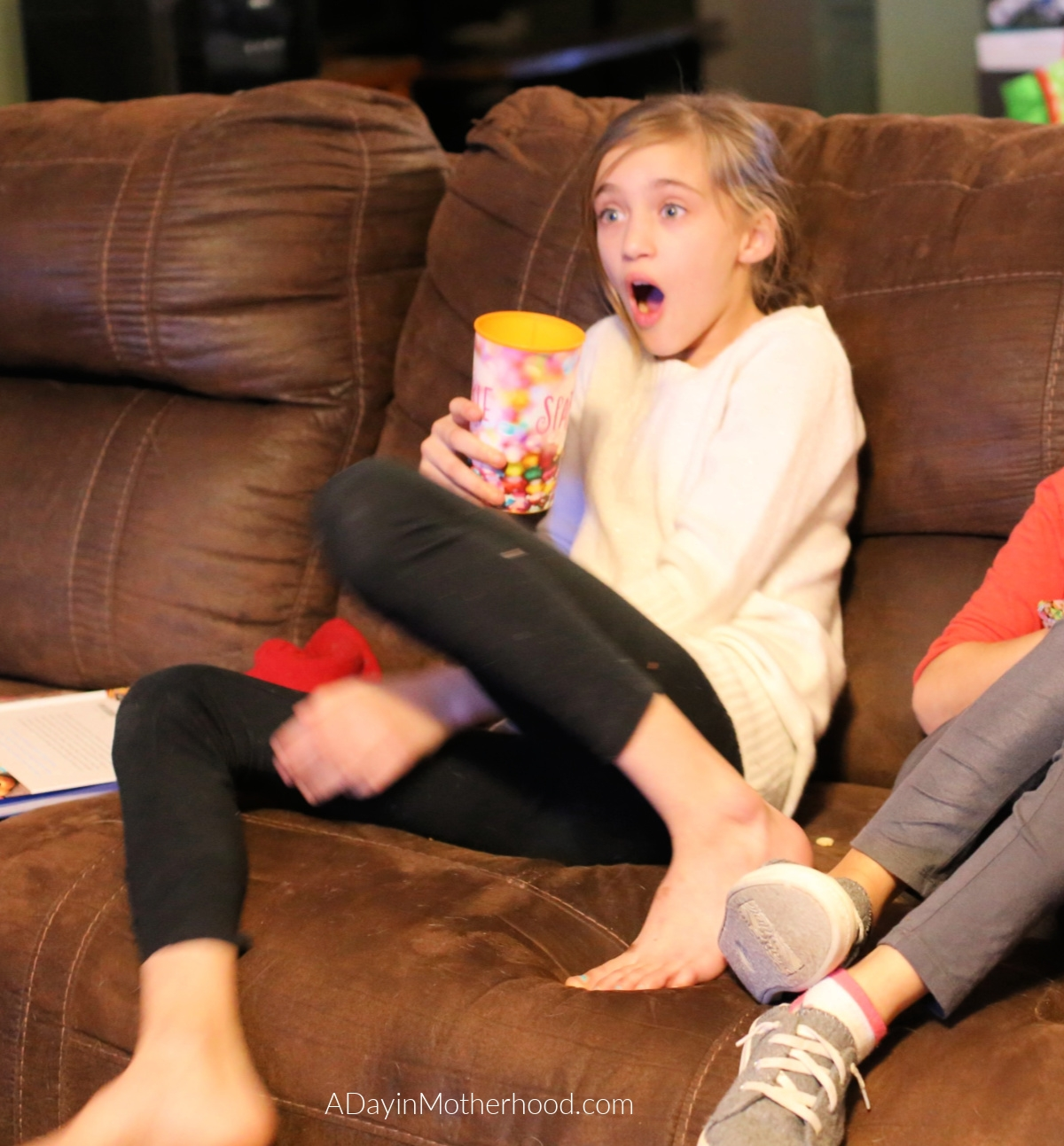 Goosebumps 2 Movie Night: Mini Ghost Cupcakes, Vortex Cookies & a Scavenger Hunt for them