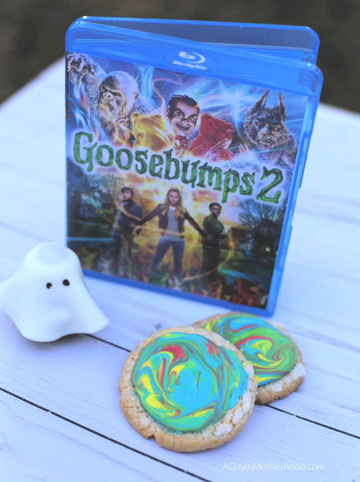 Goosebumps 2 Movie Night: Mini Ghost Cupcakes, Vortex Cookies & a Scavenger Hunt for the whole family