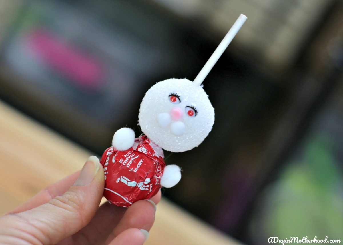 How to Make a Bunny Lollipops - add the arms