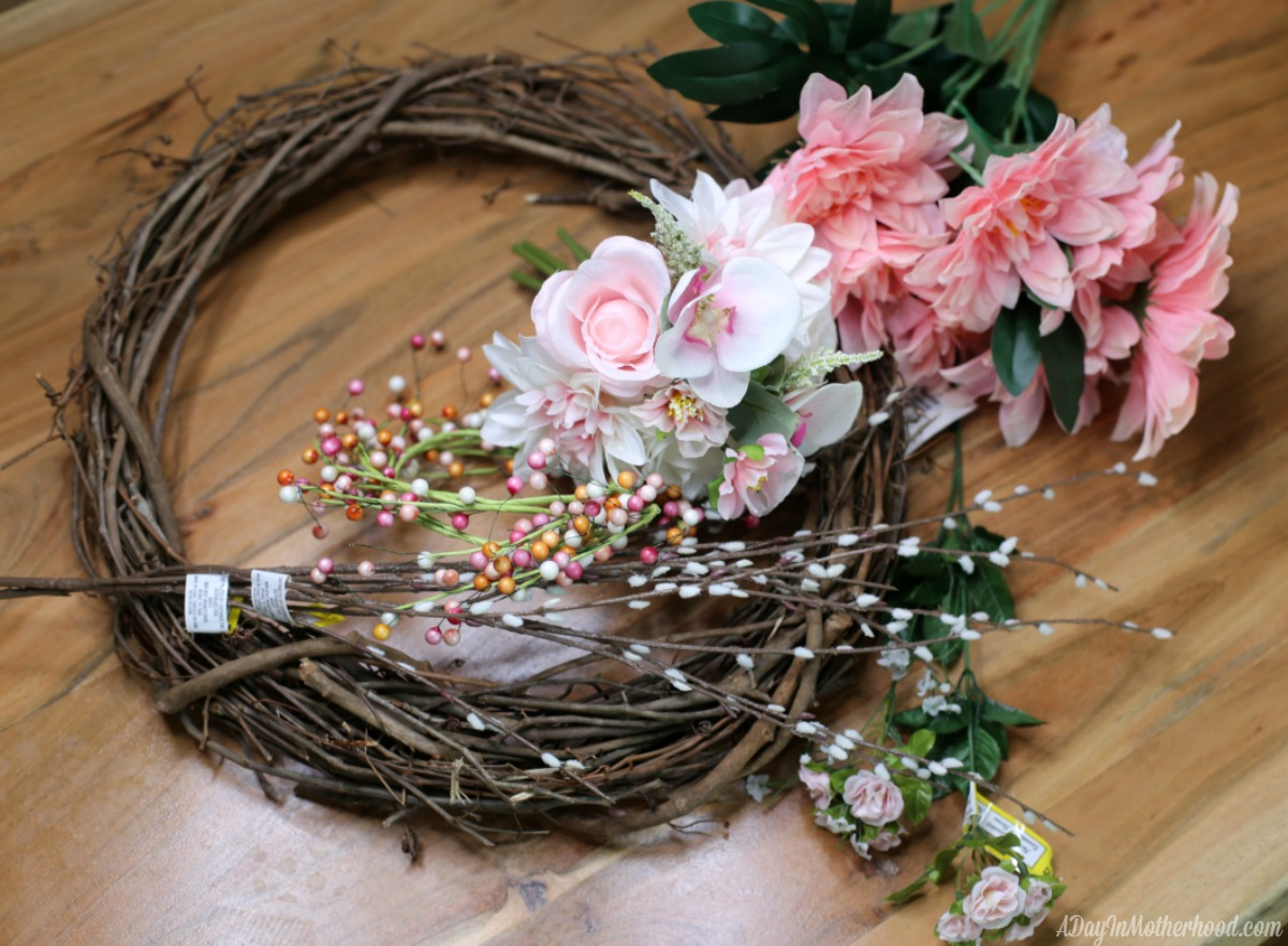 30 Minute Craft: DIY Wreath supplies