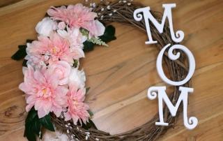 30 Minute Craft: DIY Wreath Mom